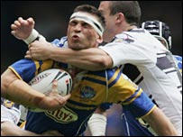 Kevin Sinfield is thwarted by the Hull defence