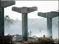 Bridge under construction and tsunami debris in Nagappattinam, south India