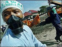 Voluntario en la provincia de Aceh en Indonesia.