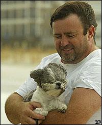 Hombre con perro en Alabama