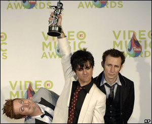 Green Day picked up seven awards, including best group, at the MTV music awards, in Florida on Sunday.