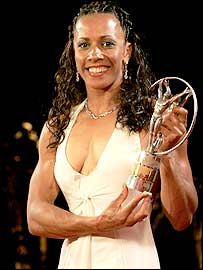 Kelly Holmes receives the Laureus World Sportswoman of the Year Award