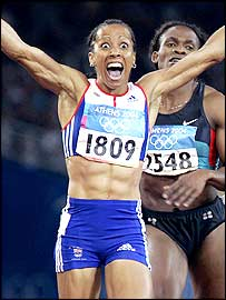 Kelly Holmes wins the 800m Olympic final in Athens