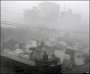 El Huracán golpea a Nueva Orleans.