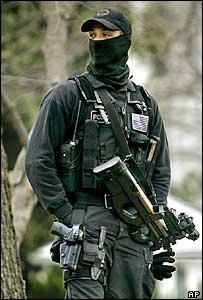 Oficial estadounidense.