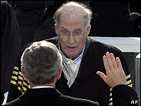 William Rehnquist administers the presidential oath to George W Bush