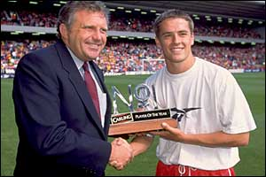 Owen is given the Carling Premiership player of the year award for 1997
