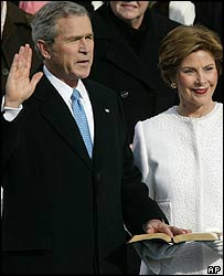 George Bush en la ceremonia de juramentación