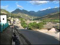 road to Peruvian gold mine