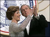 El presidente de EE.UU., George W. Bush, y la primera dama, Laura Bush