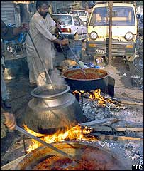 Gas cooking in Karachi