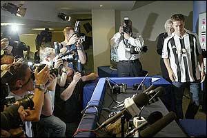 Huge numbers of photographers capture Owen's image