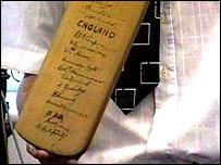 The Gunn and Moore signature cricket bat