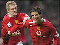 Manchester United's Darren Fletcher (left) and Cristiano Ronaldo celebrate