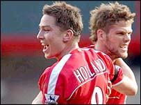 Joy for Charlton's Matt Holland and Hermann Heridarsson