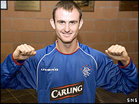Francis Jeffers shows off his new colours