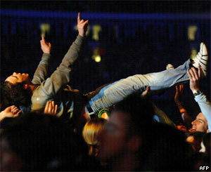 Fan at the Millennium Stadium gig