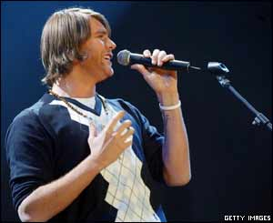 Brian McFadden, who has only recently launched a solo career, came on after Aled Jones
