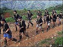 Paramilitares colombianos durante entrenamiento