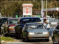 Queue at a petrol station in Mobile
