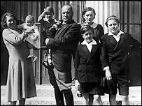 Familia Mussolini en 1093