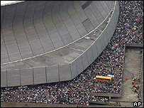 Evacuation from the Louisiana Superdome