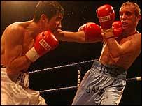 Jamie Arthur (right) v Haider Ali