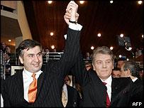 Georgian President Mikhail Saakashvili (left) with Ukraine's President Yushchenko in Strasbourg