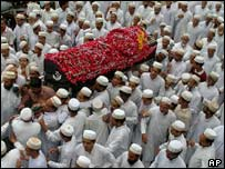 Hatim Kathiria's coffin in Gujarat