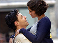 Russell Crowe and Renee Zellweger in Cinderella Man