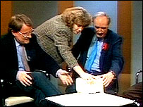 Peter Snow presenting Newsnight from East Berlin in 1989