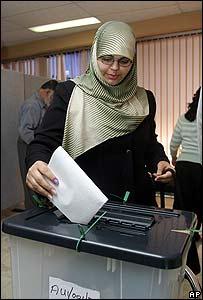 Una iraquí vota en Sydney, Australia