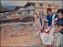 Damnificados del terremoto en Armenia, Colombia, en 1999.