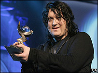 Man mountain Antony Hegarty picks up his Mercury award in 2005.