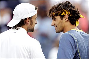 Nicolas Kiefer (left) and Roger Federer