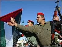 Palestinian forces begin their redeployment in Gaza