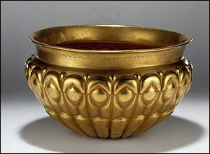 Gold bowl with trilingual inscription of Xerxes the King.