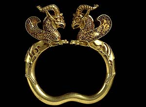 Gold griffin-headed armlet from the Oxus treasure Achaemenid Persian, 5th-4th century BC.