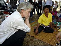 UN official Margareta Wahlstrom at Thai disaster centre