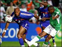 Clinton Morrison gets in a shot despite the attentions of William Gallas