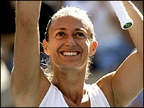 Mary Pierce celebrates her victory