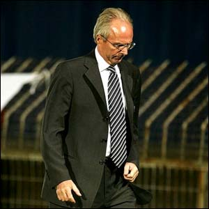 Sven-Goran Eriksson trudges off the Windsor Park pitch