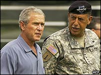George W Bush, with General Russ Honore, inspecting the Emergency Operations Center in Baton Rouge, Louisiana