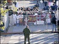 Michael Jackson fans outside the Santa Maria courthouse