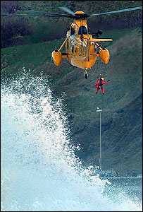Winchman Nick Petch during the rescue [picture courtesy of Scarborough Evening News]