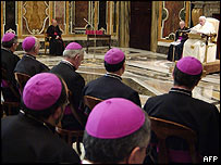 Pope meeting Spanish bishops in Vatican, 24 Jan 05