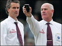 Umpires Billy Bowden and Rudi Koertzen