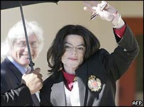 Michael Jackson arrives in court for the second day of jury selection