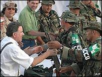 Desarme de paramilitares colombianos