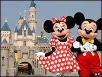Minnie and Mickey Mouse at Hong Kong Disneyland